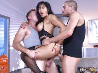 групповой секс с женой домашнее видео