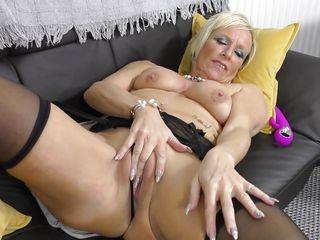 Порно куни блондинка