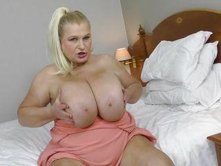 Мастурбация девушек порно девственницы соло