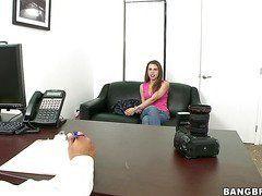 Порно кастинг на работу секретарши
