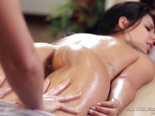 Порно видео жесткий инцест